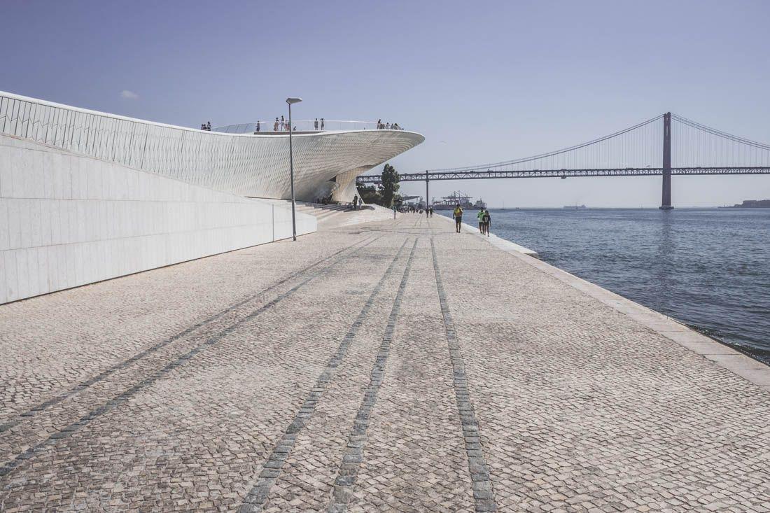 MuseudeArte,ArquiteturaeTecnologia / Lisbonne / Portugal / Pontdu25Avril (Ponte 25 de Abril)