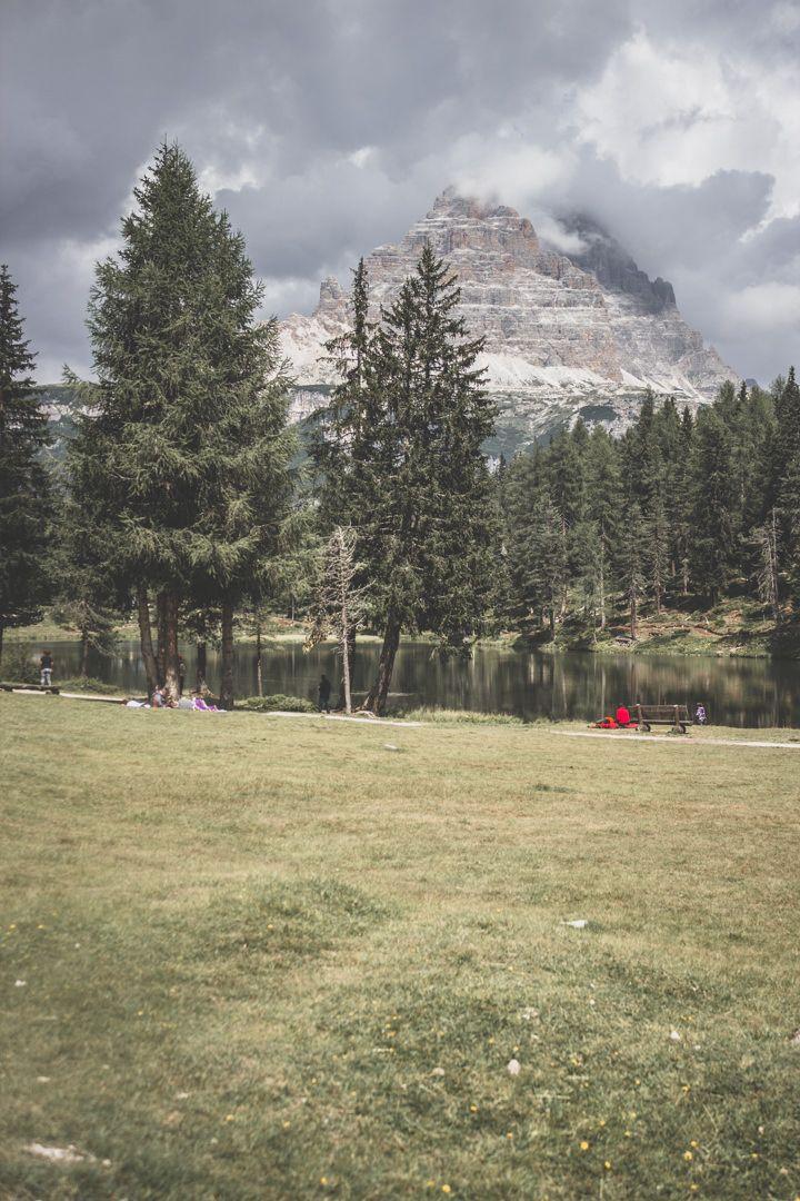 Le lago di Antorno de Misurina, sur la route des Tre Cime di Lavaredo, en Italie, Dolomites.