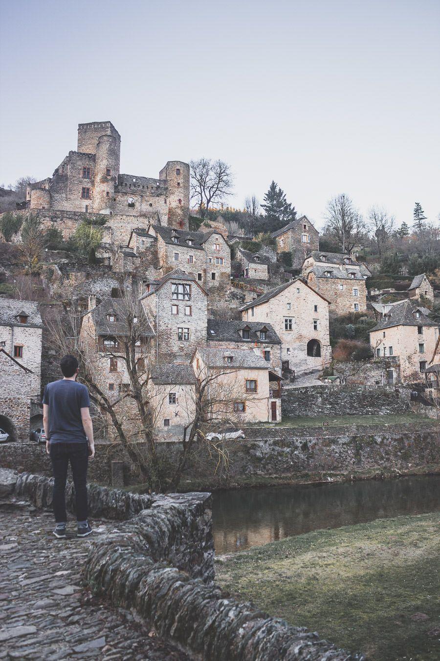 Belcastel, le village aveyronnais, Occitanie.