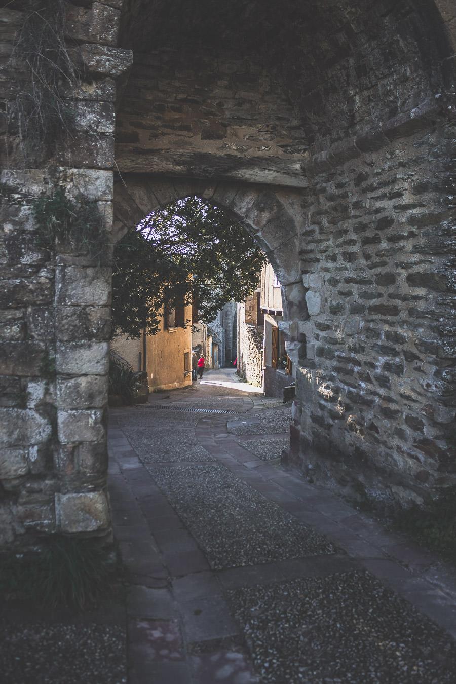 Najac est un plus beau village de France situé en Aveyron, Occitanie.