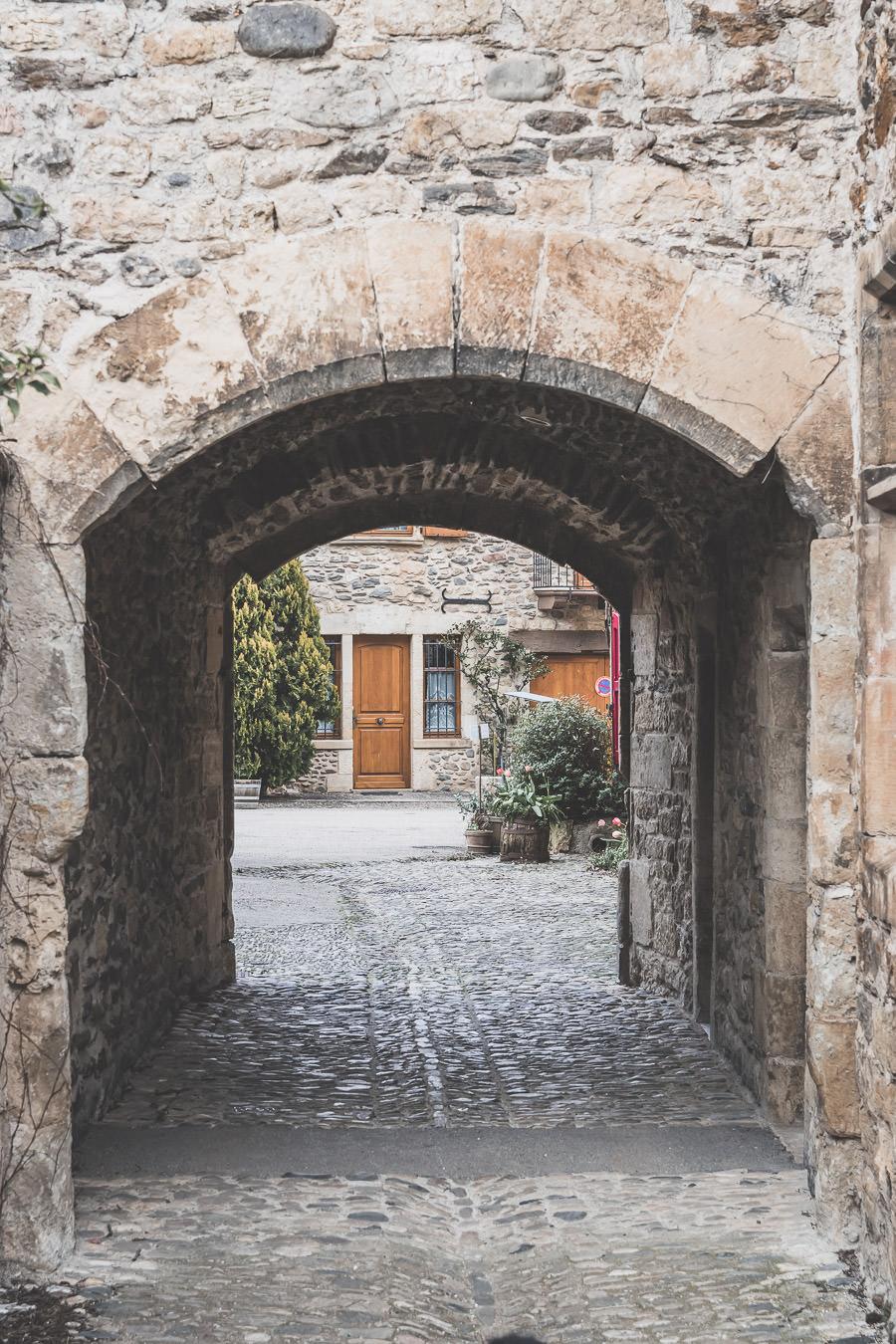 Saint-Côme-d'Olt, joli village aveyronnais, Occitanie